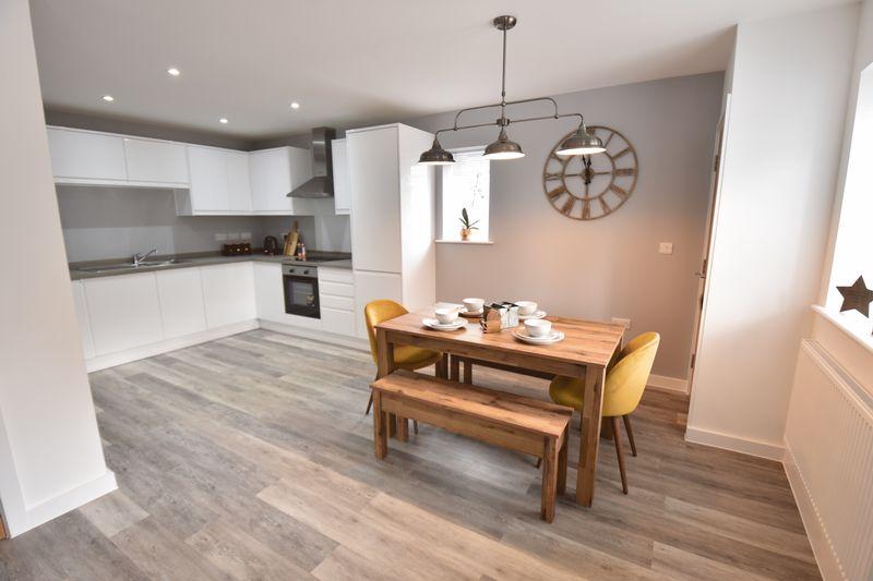 2 bedroom  to buy in Ridgway Road, Luton - Photo 20