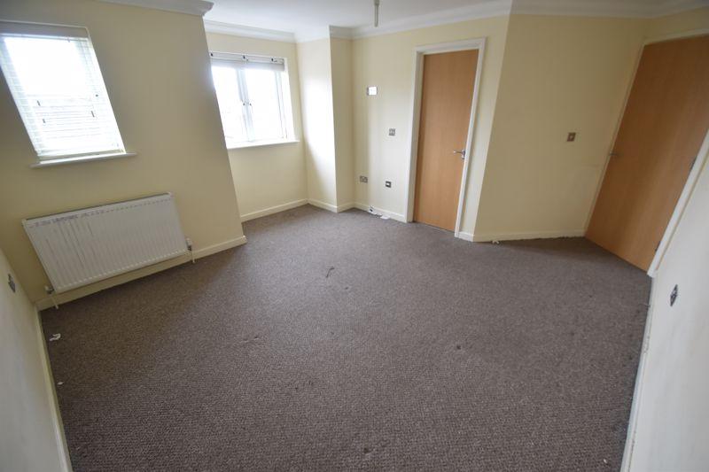 1 bedroom Flat to rent in Grove Road, Luton - Photo 4