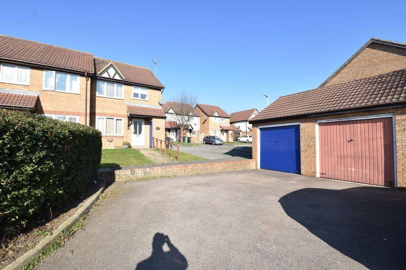3 bedroom End Terrace to rent in Cromer Way, Luton - Photo 14