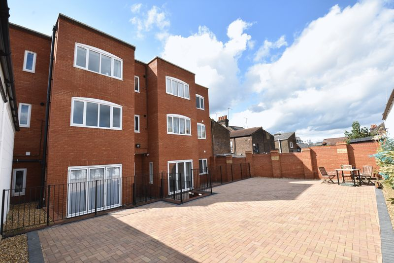 1 bedroom Apartment / Studio to buy in 11 Farley Hill, Luton