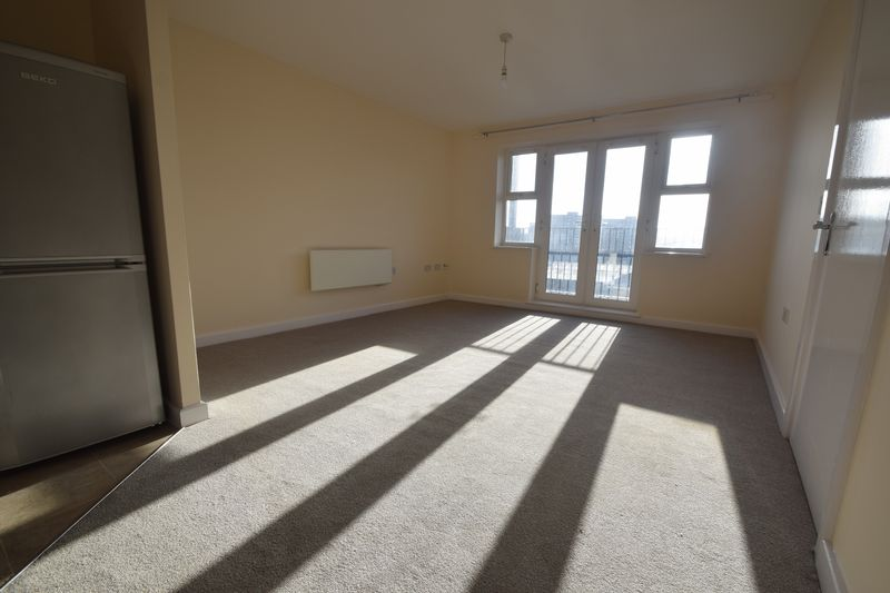 2 bedroom Apartment / Studio to buy in 1 - 117 Holly Street, Luton - Photo 2