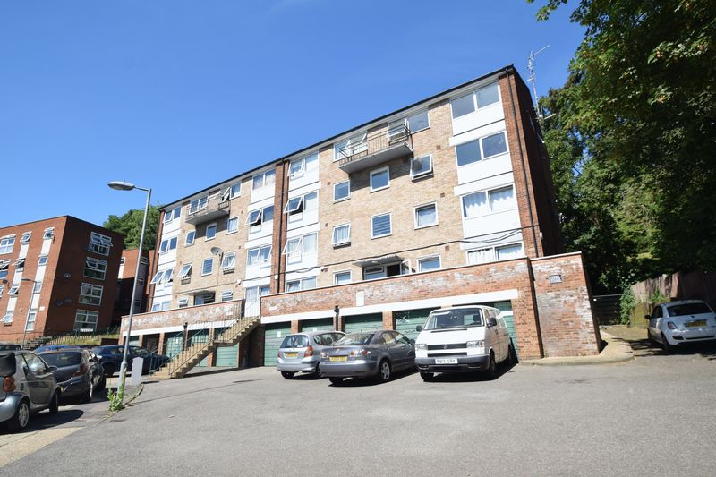 2 bedroom Flat to rent in Moulton Rise, Luton