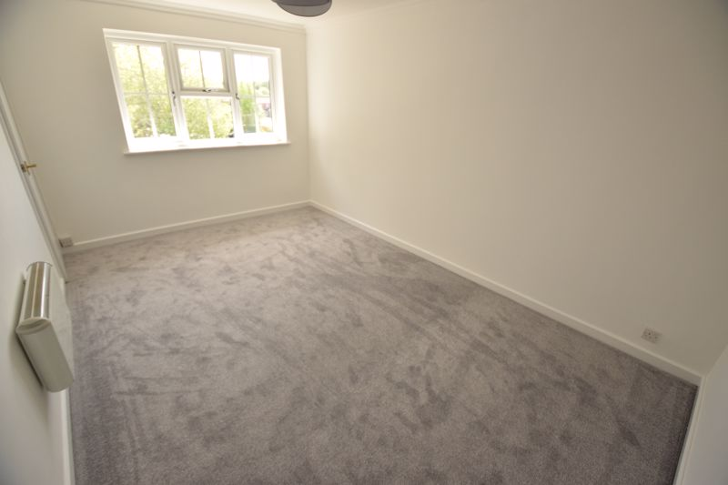2 bedroom Maisonette to rent in Campania Grove, Luton - Photo 6
