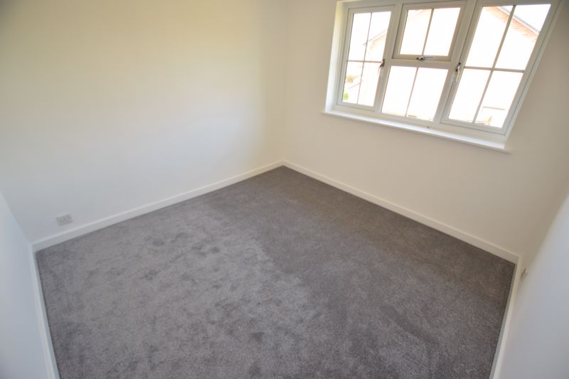 2 bedroom Maisonette to rent in Campania Grove, Luton - Photo 7