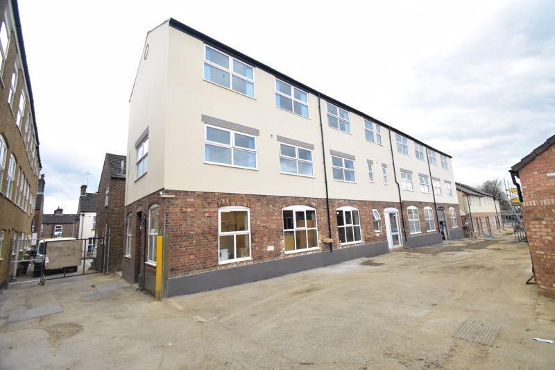 1 bedroom Flat to rent in Kingham Way, Luton