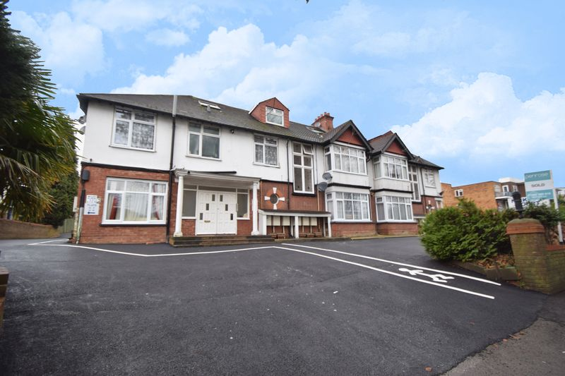 1 bedroom Flat to buy in 137 - 139 New Bedford Road, Luton