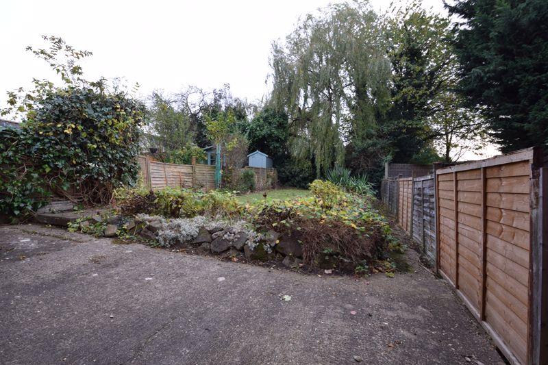 3 bedroom Semi-Detached  to rent in Mountfield Road, Luton