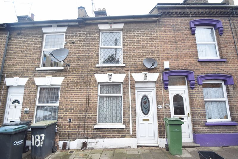 2 bedroom Mid Terrace to rent in North Street, Luton