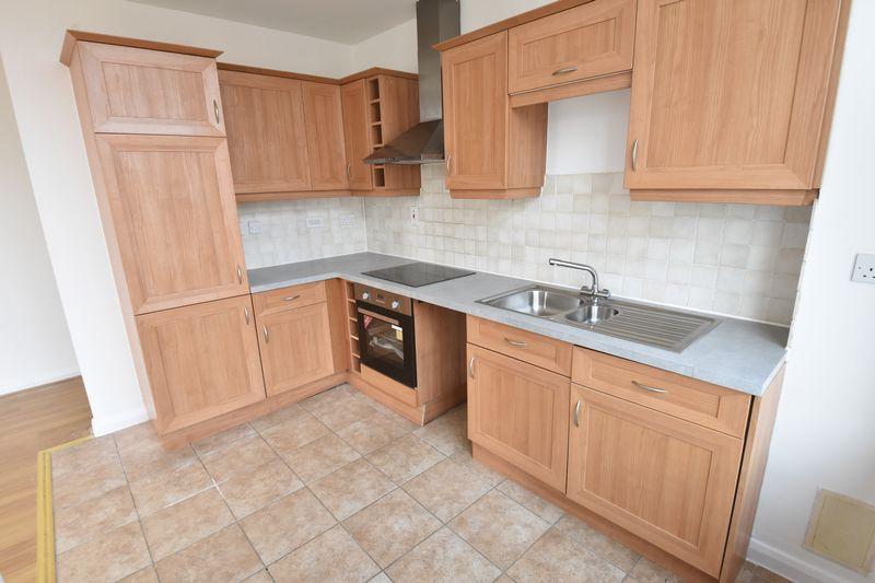 2 bedroom Flat to buy in Midland Road, Luton - Photo 5