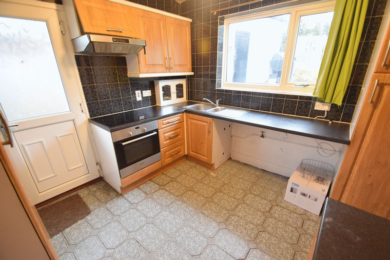 3 bedroom Semi-Detached  to buy in Saltfield Crescent, Luton - Photo 21