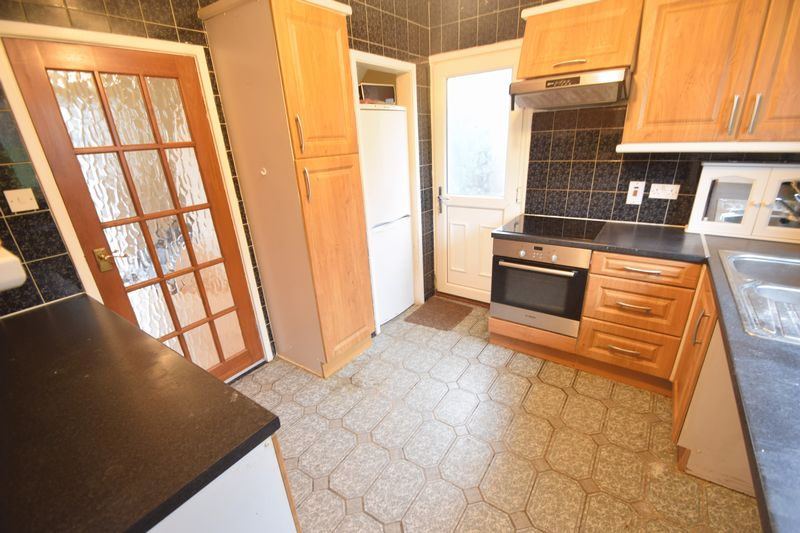 3 bedroom Semi-Detached  to buy in Saltfield Crescent, Luton - Photo 22