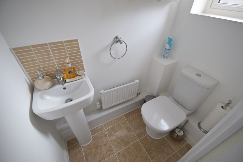 2 bedroom Mid Terrace to buy in Guardian Way, Luton - Photo 4