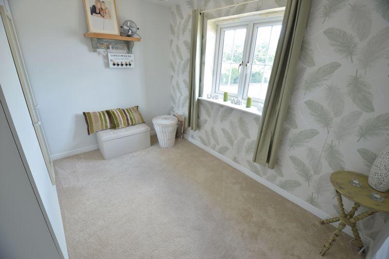 2 bedroom Flat to buy in Watling Gardens, Dunstable - Photo 6