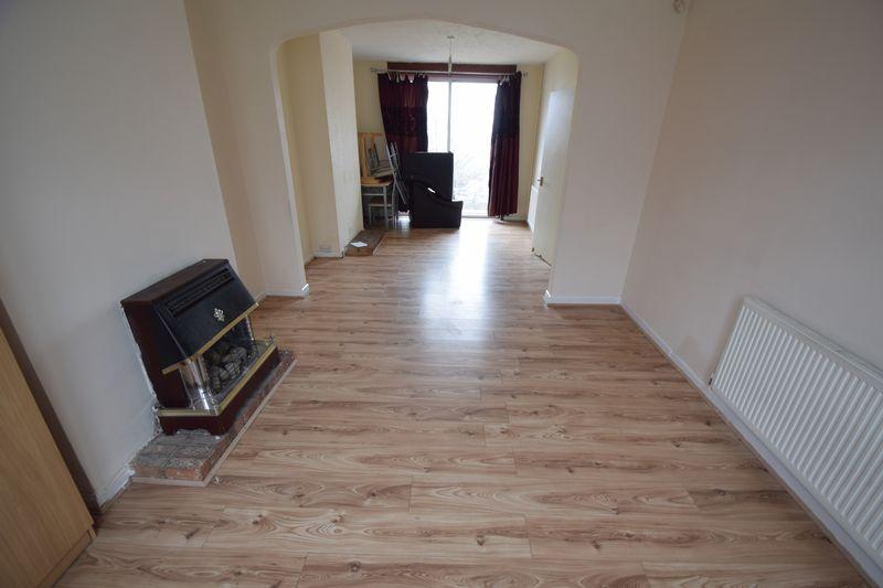 3 bedroom Semi-Detached  to rent in Seymour Road, Luton - Photo 9