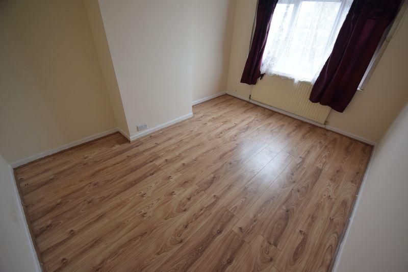 3 bedroom Semi-Detached  to rent in Seymour Road, Luton - Photo 12