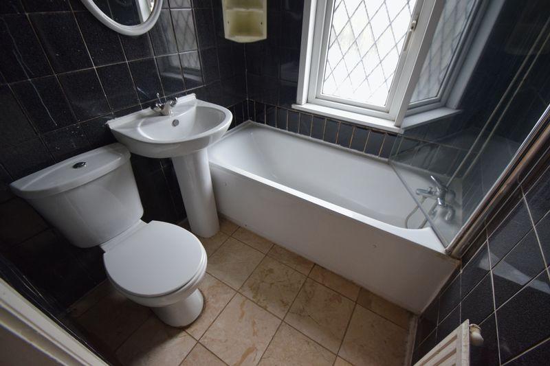 3 bedroom Semi-Detached  to rent in Seymour Road, Luton - Photo 14