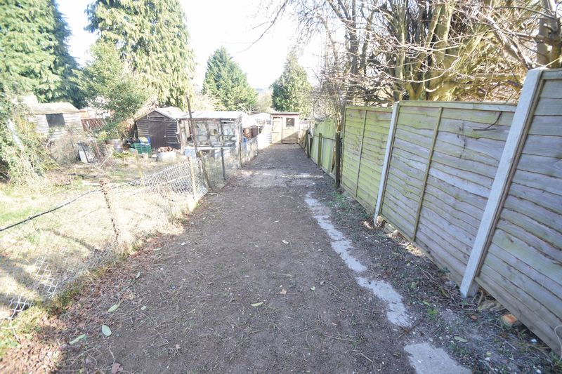 3 bedroom Semi-Detached  to rent in Seymour Road, Luton - Photo 7