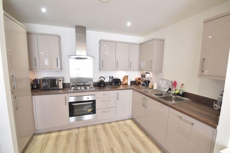 2 bedroom Apartment / Studio to buy in Union Street, Luton - Photo 2