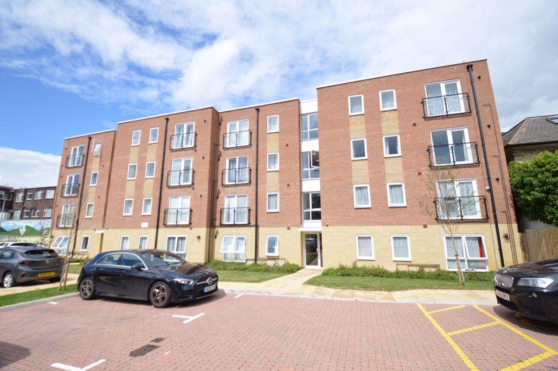 2 bedroom Apartment / Studio to buy in Union Street, Luton