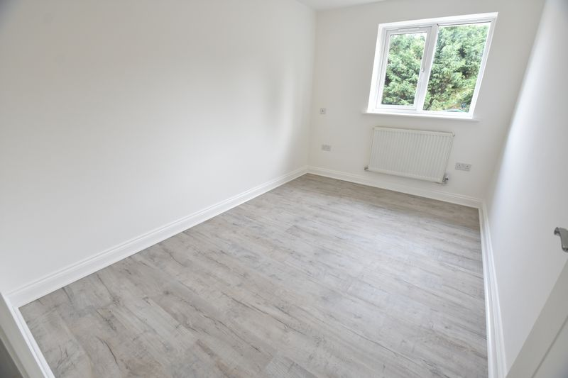 5 bedroom End Terrace to rent in Fermor Crescent, Luton - Photo 8