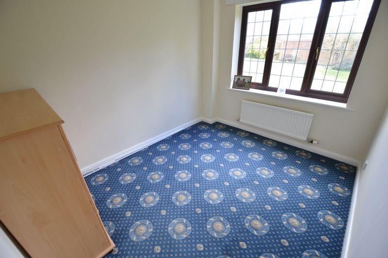 4 bedroom Detached  to rent in Copthorne, Luton - Photo 7