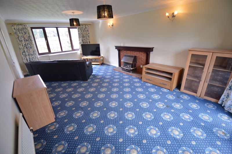 4 bedroom Detached  to rent in Copthorne, Luton - Photo 8