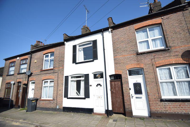 2 bedroom Mid Terrace to buy in North Street, Luton