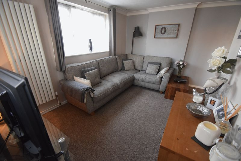 1 bedroom End Terrace to rent in Speedwell Close, Luton - Photo 1