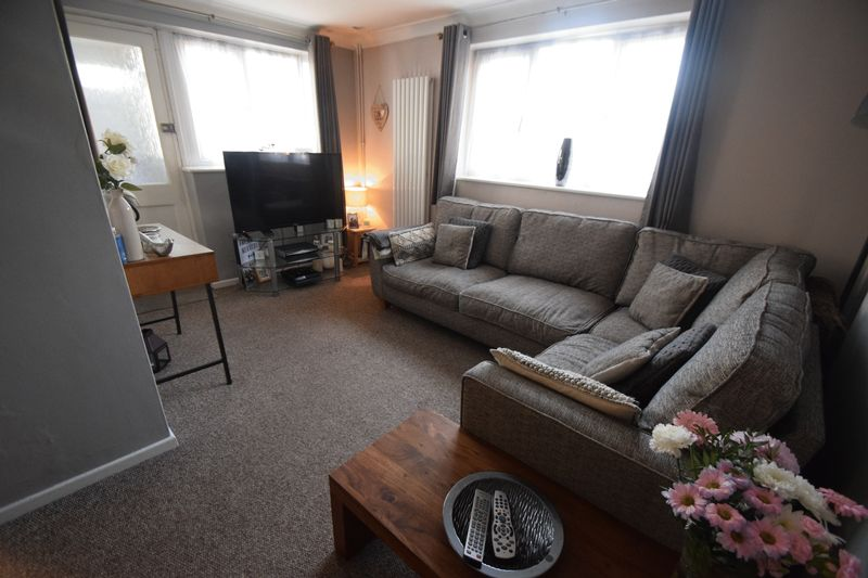 1 bedroom End Terrace to rent in Speedwell Close, Luton - Photo 3
