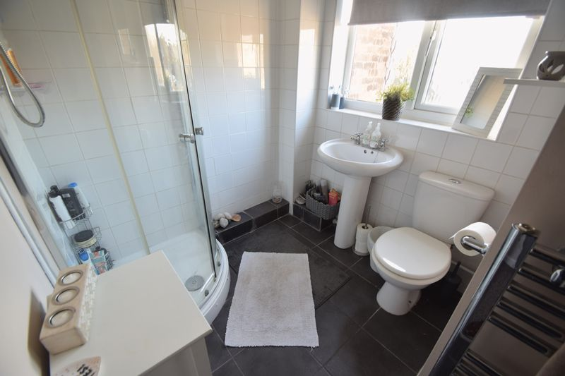 1 bedroom End Terrace to rent in Speedwell Close, Luton - Photo 5