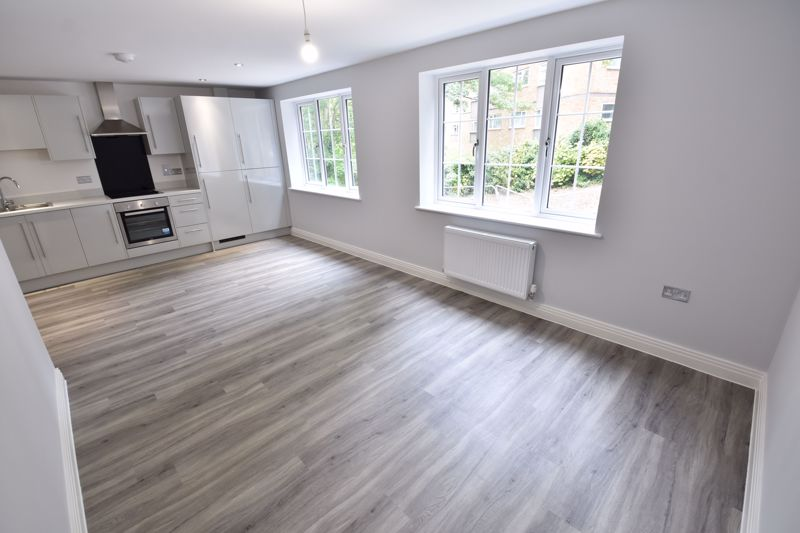 2 bedroom Flat to rent in 48 Crawley Green Road, Luton - Photo 12