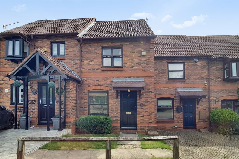 2 bedroom Mid Terrace to rent in Gleneagles Drive, Luton