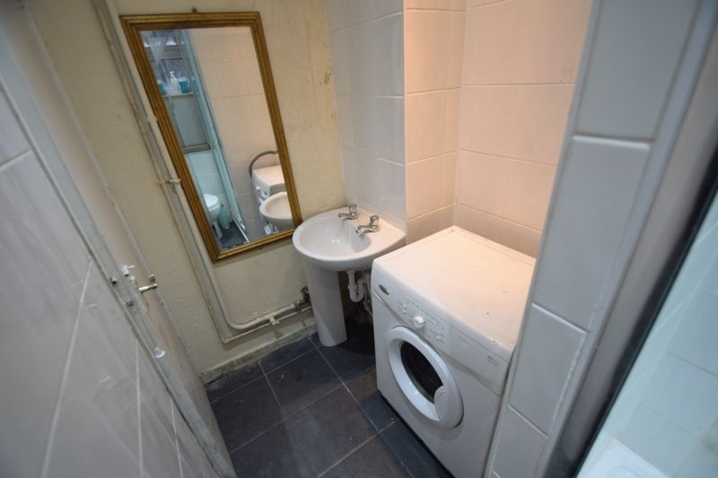 1 bedroom Flat to buy in Ruthin Close, Luton - Photo 7