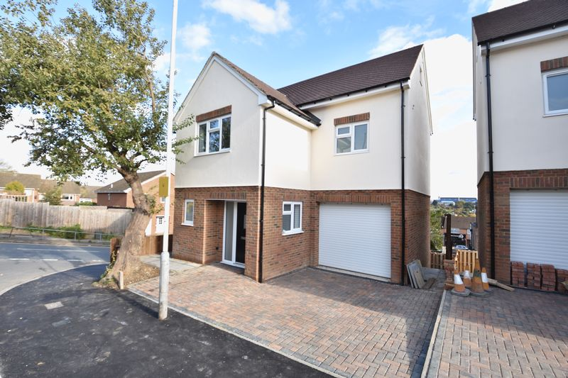 4 bedroom  to buy in Taunton Avenue, Luton - Photo 21