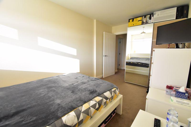 1 bedroom Apartment / Studio to buy in Handcross Road, Luton - Photo 3
