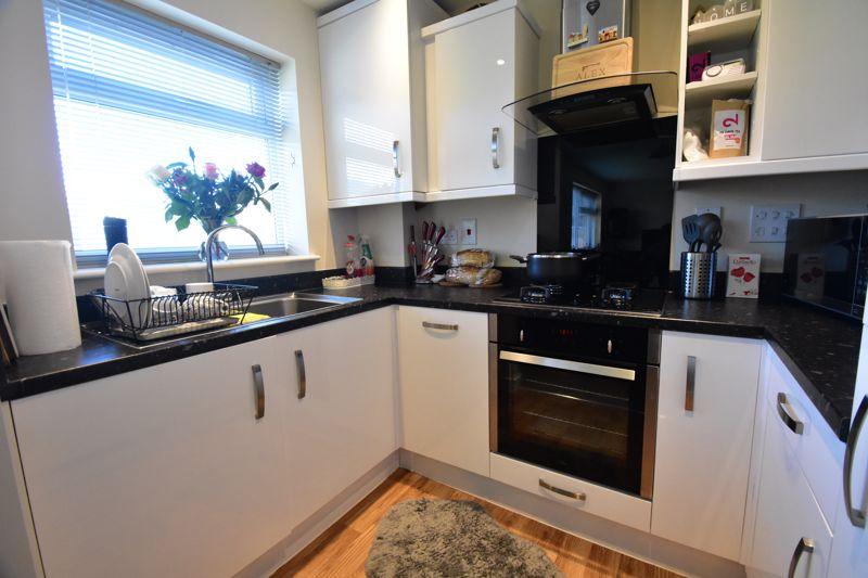 1 bedroom Apartment / Studio to buy in Handcross Road, Luton - Photo 7