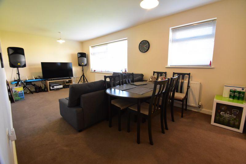 1 bedroom Apartment / Studio to buy in Handcross Road, Luton - Photo 10