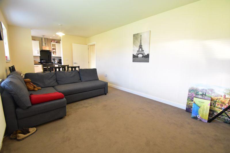 1 bedroom Apartment / Studio to buy in Handcross Road, Luton - Photo 12