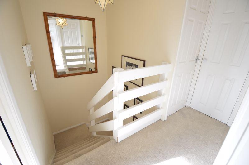3 bedroom Semi-Detached  to buy in Waddesdon Close, Luton - Photo 8