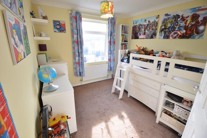 3 bedroom Semi-Detached  to buy in Waddesdon Close, Luton - Photo 11