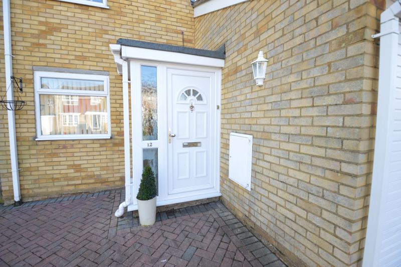 3 bedroom Semi-Detached  to buy in Waddesdon Close, Luton - Photo 14