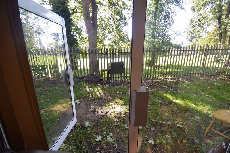 2 bedroom Flat to buy in Brook Street, Luton - Photo 6