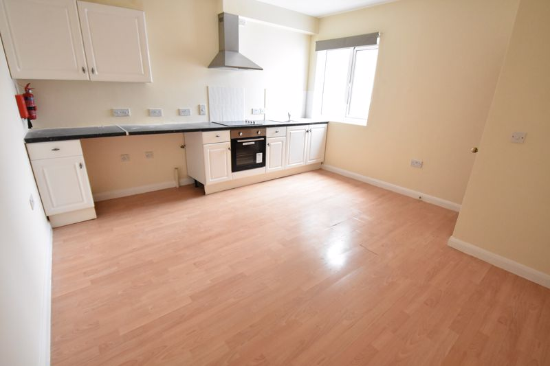 9 bedroom Flat to rent in Frederick Street, Luton - Photo 7