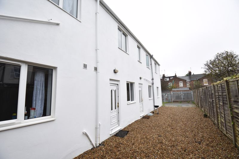 9 bedroom Flat to rent in Frederick Street, Luton - Photo 10