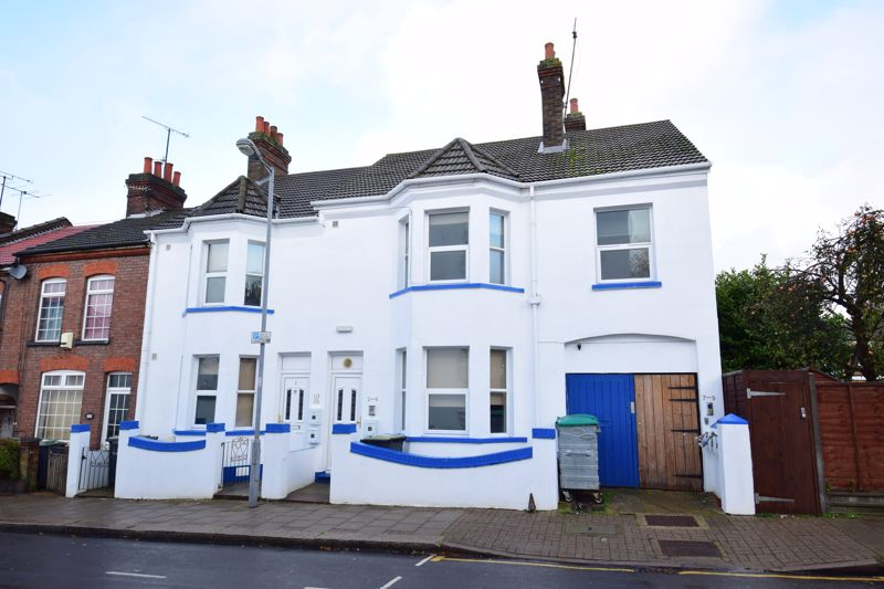 9 bedroom Flat to rent in Frederick Street, Luton
