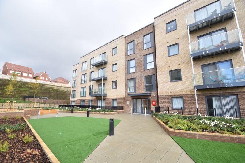 1 bedroom Flat to buy in Kimpton Road, Luton