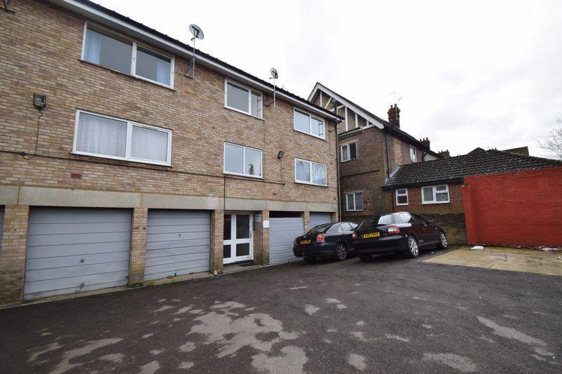 1 bedroom Flat to buy in Malzeard Road, Luton