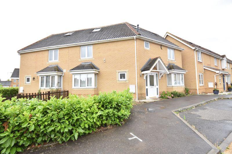 5 bedroom Mid Terrace to rent in Morgan Close, Luton