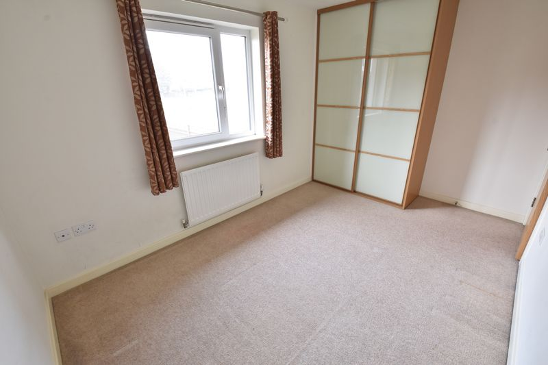 3 bedroom End Terrace to rent in Someries Hill, Luton - Photo 8
