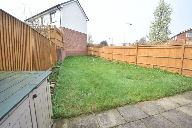 3 bedroom End Terrace to rent in Someries Hill, Luton - Photo 11